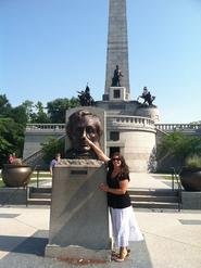 Mrs. White visiting Lincoln's Tomb in Springfield, Illinois